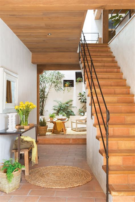 De madera, forja y cerámica en 2019 | home | Recibidor con ...