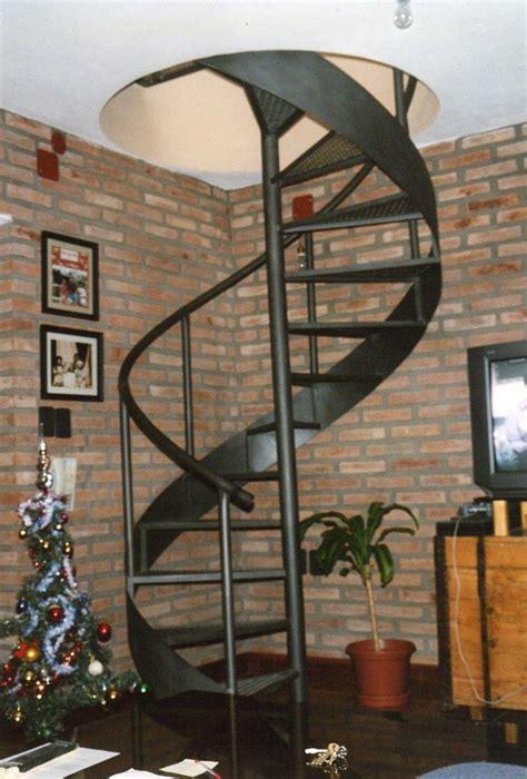de metal en caracol | Diseño de escalera, Escaleras ...
