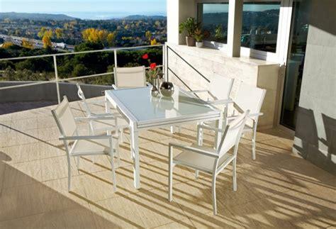 Decora tu terraza y jardín con las propuestas de Leroy ...