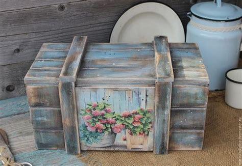 Decoración con cajas de madera. Cajas de fruta recicladas.