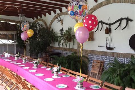 Decoración con globos para 18 cumpleaños   La Tavola Dulce