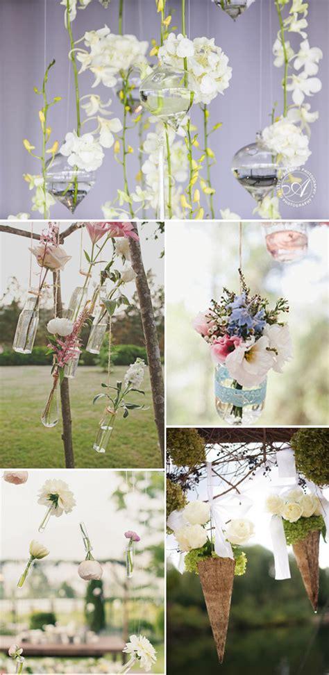 Decoración de la boda con flores colgantes