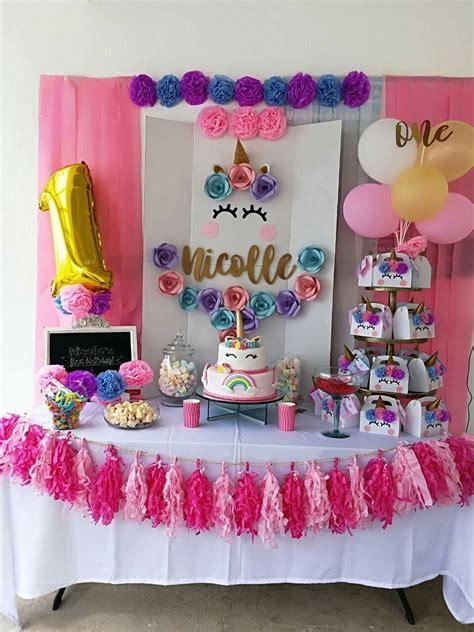 Decoración para fiestas con unicornios    DeUnicornios