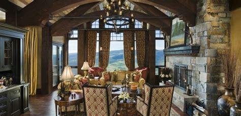 Decorar el hogar con acogedoras chimeneas rústicas