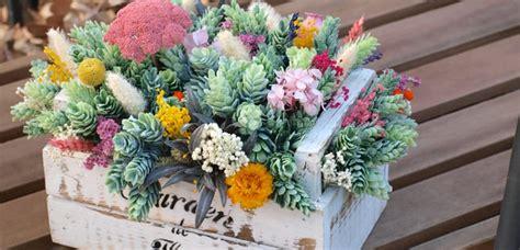 Decorar la casa con flores artificiales | Decoora