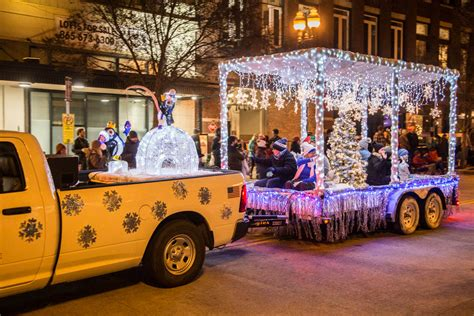Decorating A Pickup Truck For Parade | Shelly Lighting