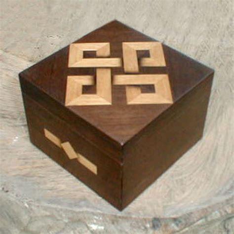 Decorative Wood Box   LaurensThoughts.com