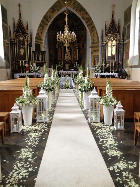 Dekoracje | Wedding chapel decorations, Wedding aisle ...