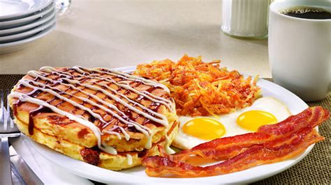 Denny's 2016 Holiday Menu Has Arrived With All The Flavors ...