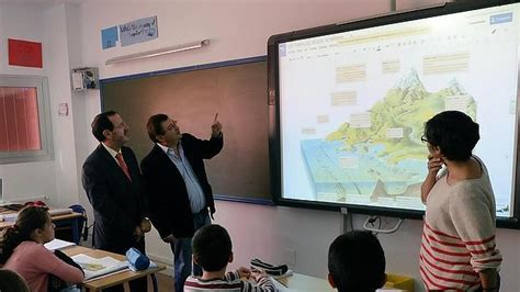 Denuncian usurpación de 1.625 plazas de profesores de ...