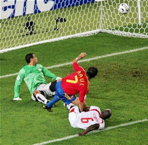 ...Deportes...: Fútbol  Uno de los deportes más importantes