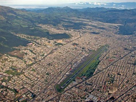 Der Aeropuerto Internacional Mariscal Sucre ist der ...
