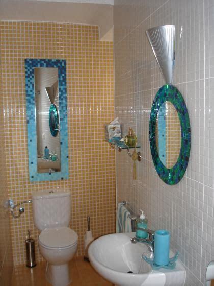 Descubra como decorar un baño   Para Más Información ...