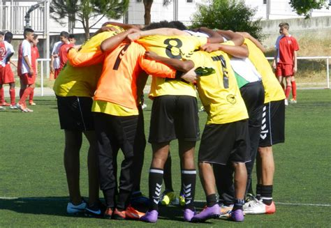 Descubre al equipo de fútbol con 35 nacionalidades ...