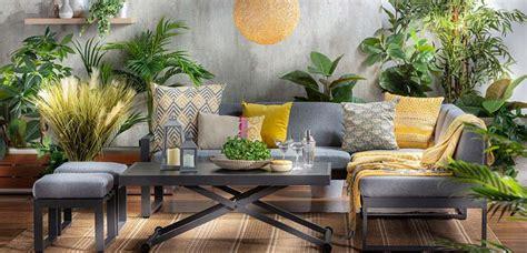 Descubre los mejores muebles de terraza para decorar el ...