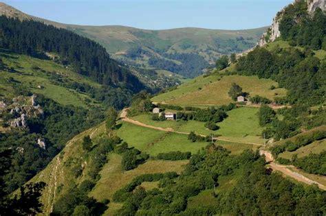 Descubre los Valles Pasiegos, Cantabria y sus maravillosos ...
