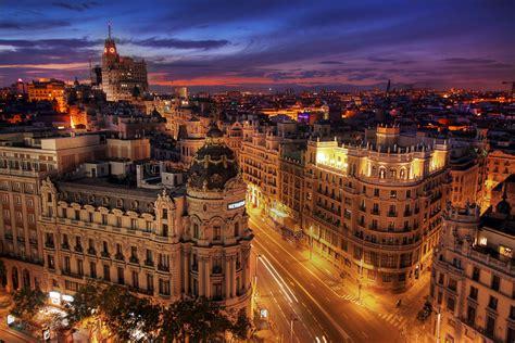 Descubre Madrid en Moto :: DivaMotos.com