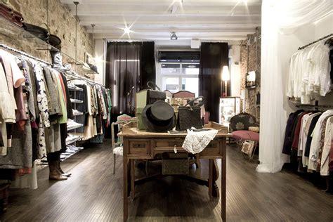 Descubre siete tiendas de moda  vintage  en Barcelona