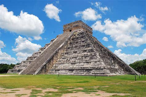 Descubren la pirámide más antigua de la cultura maya en ...
