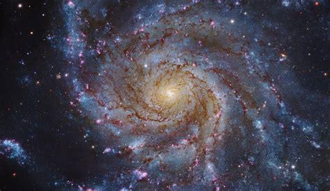 Descubren que todas las galaxias del universo giran como ...
