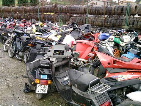 DESGUACES ROZA   Desguace de motos