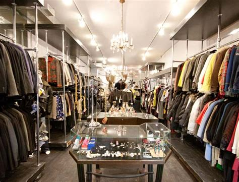 Designer consignment boutique a hit on Queen West