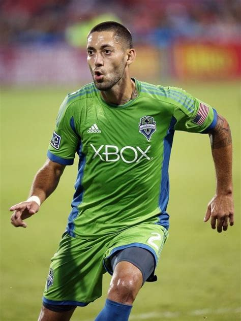 Despite scoring drought, Clint Dempsey lifts Sounders