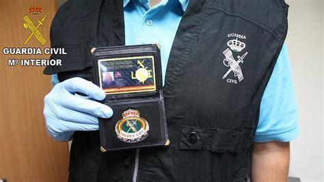 Detenido por simular ser guardia civil para adquirir armas ...