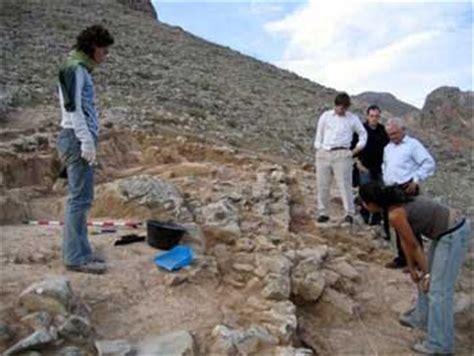 Dia Internacional del Hombre: profesiones   Arqueologo