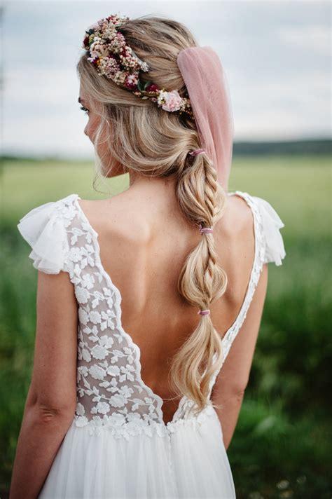 Diademas y tocados de novias para llevar velo   Foto 2