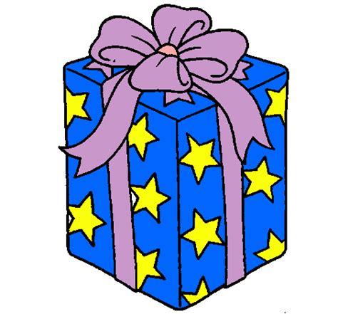 Dibujo de Regalo envuelto en papel de estrellas pintado ...