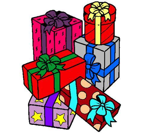 Dibujo de Una montaña de regalos pintado por Cathaa en ...