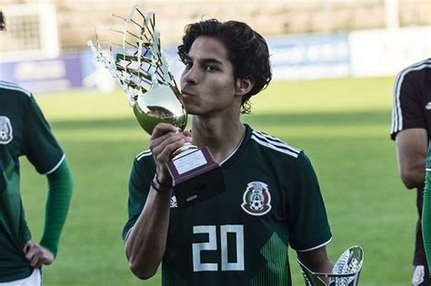 Diego Lainez Leyva is a soccer player   Net Worth ...