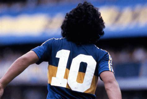 Diego Maradona, capitaine d un bateau nommé Boca Juniors ...