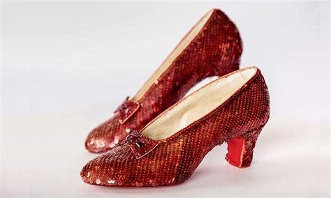Diez vestidos icónicos del cine y unos zapatos para ...