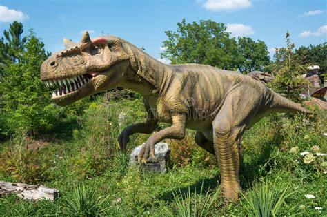 Dinosaurios De Diferentes Tipos Foto editorial   Imagen de ...