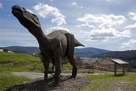 ¡Dinosaurios en Pinares! #Pinares #Burgos #Soria #Spain ...