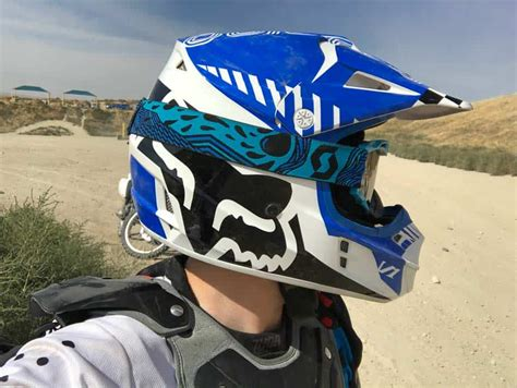Dirt Bike Helmet Buyer's Guide – Dirt Bike Planet
