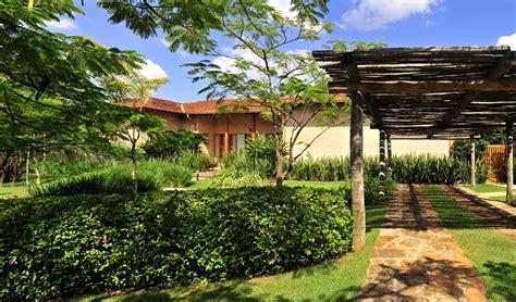 Diseño de exteriores: jardines modernos tropicales ...
