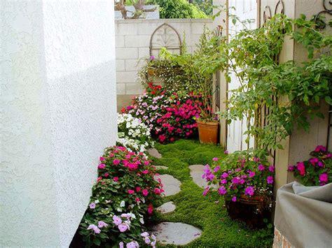 diseño de jardines pequeños en casa   Buscar con Google ...