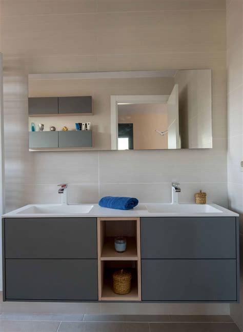 Diseño de un mueble de baño suspendido compuesto por dos ...