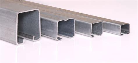 Diseño y desarrollo de herrajes para puertas correderas ...