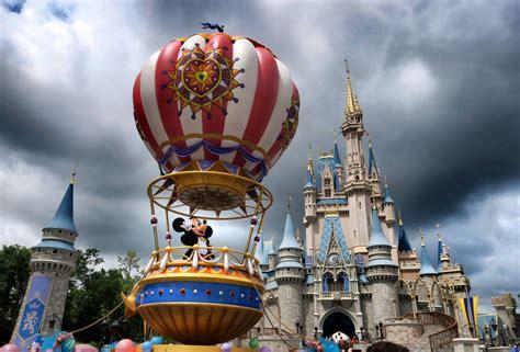 Disney y otros parques temáticos en Orlando reanudan ...