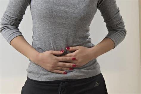 Distensión abdominal o vientre hinchado, qué es, causas y ...