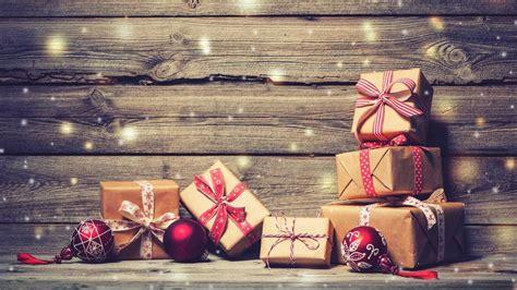 Distribuer les cadeaux de Noël : 5 astuces pour éviter la ...