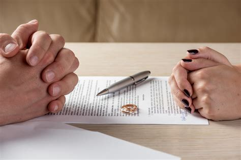 Divorce in AZ Without an Attorney