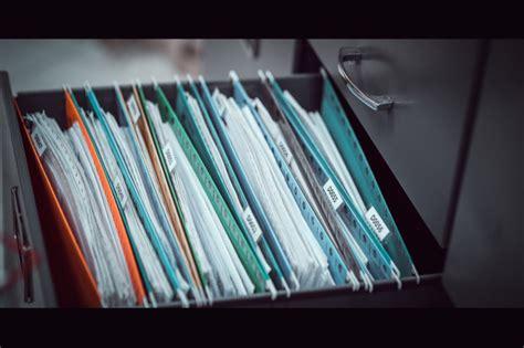 Documentos importantes guardados en el gabinete. | Foto ...