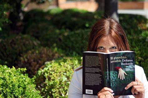 Dolores Redondo y los secretos más oscuros del Baztán ...