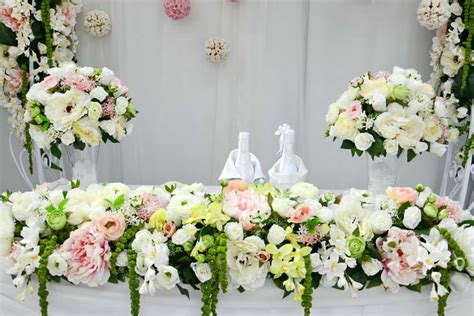 Don t let flower costs wilt your wedding budget   Living ...