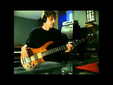 Doobie Brothers Listen to the music, Bass cover   YouTube